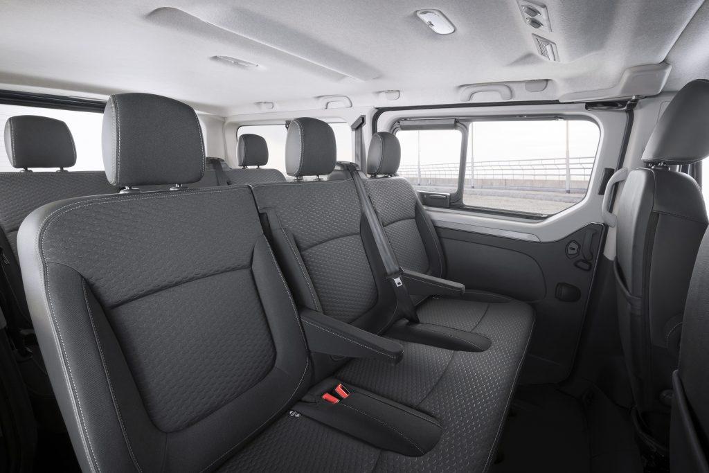 Opel-Vivaro-Combi-Plus-308342-1024×683